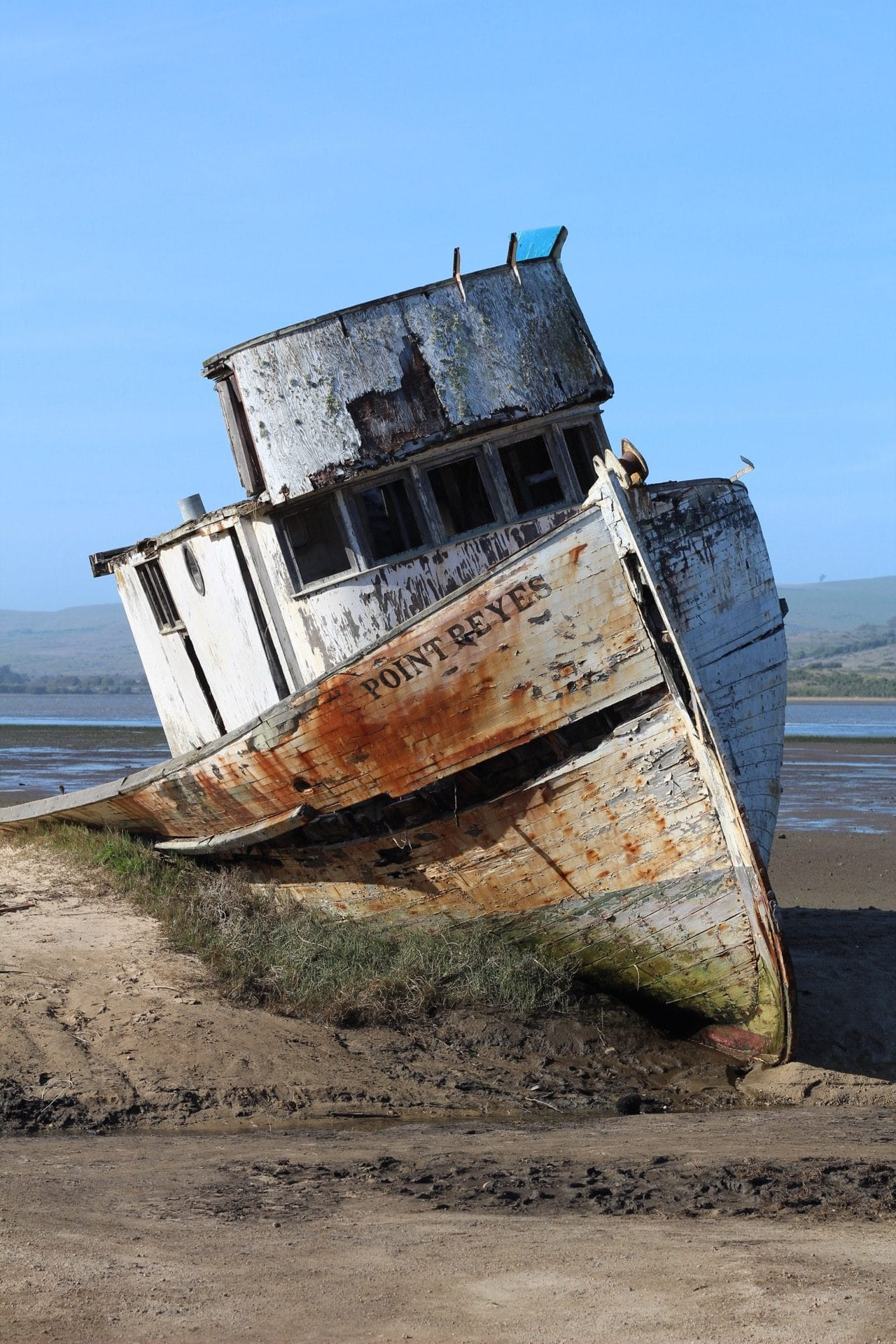 Point Reyes Shipwreck behind Inverness Store in Marin County, California. Click here to read how to visit Muir Woods & Point Reyes in ONE Day trip from San Francisco! #shipwreck #inverness #pointreyes #muirwoods